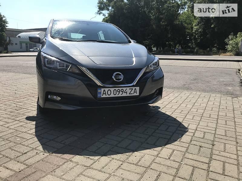 Хэтчбек Nissan Leaf 2019 в Ужгороде