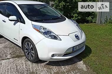 Лифтбек Nissan Leaf 2014 в Днепре