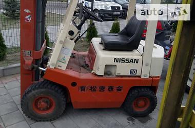 Nissan NF 2001 в Сарнах