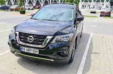 Внедорожник / Кроссовер Nissan Pathfinder 2017 в Киеве
