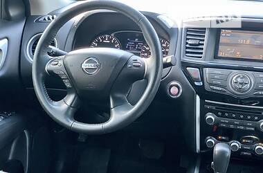 Позашляховик / Кросовер Nissan Pathfinder 2016 в Києві