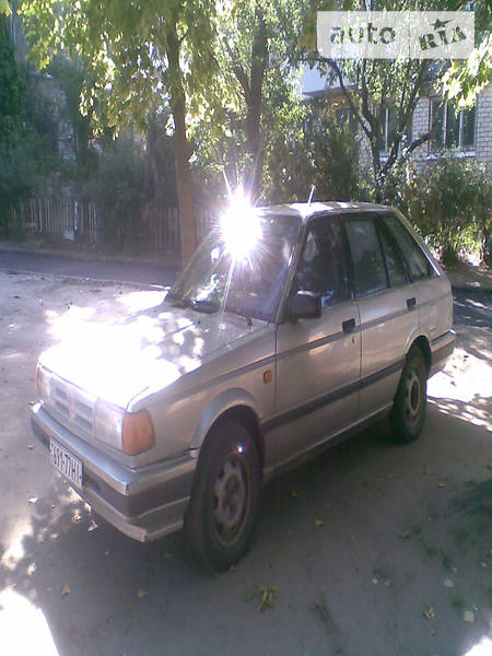 Nissan Sunny 1990 в Николаеве