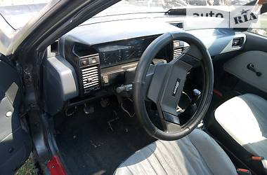 Nissan Sunny 1989 в Полонному