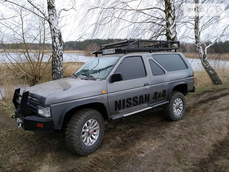 Позашляховик / Кросовер Nissan Terrano 1989 в Львові