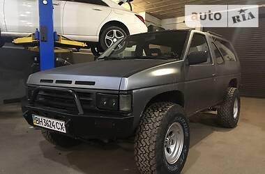 Внедорожник / Кроссовер Nissan Terrano 1989 в Одессе