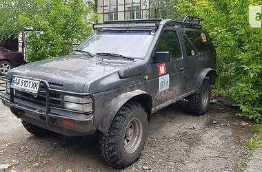 Внедорожник / Кроссовер Nissan Terrano 1990 в Киеве