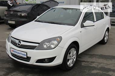 Opel Astra H  2013
