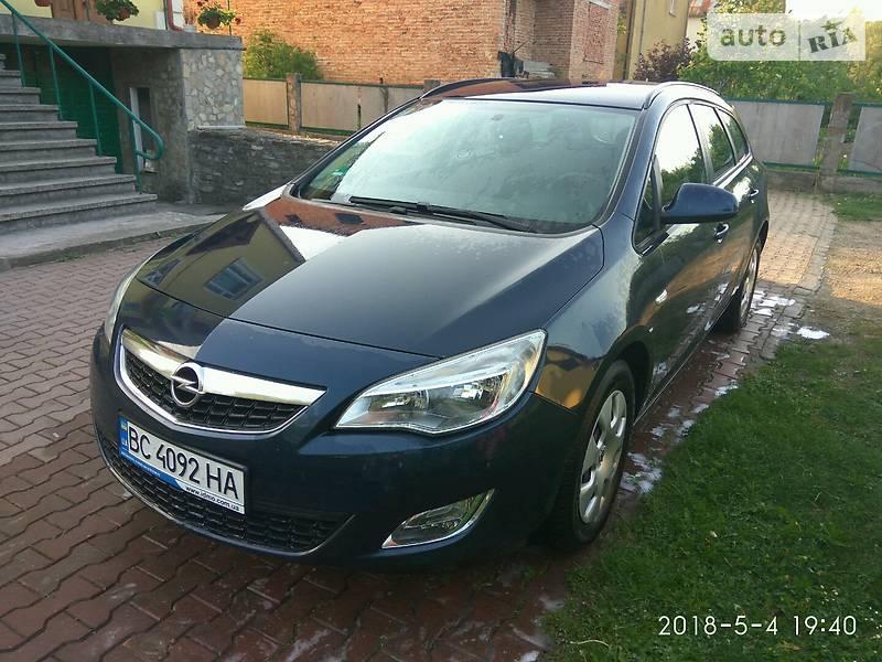Opel Astra J 2012 в Старом Самборе