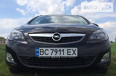 Opel Astra J 2011 в Ровно