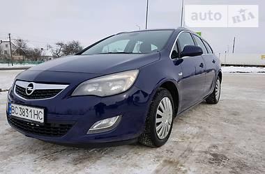 Opel Astra J 2010 в Львове