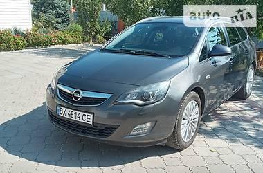 Opel Astra J 2011 в Токмаке