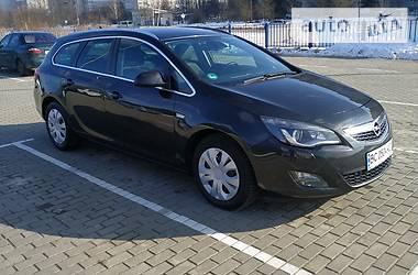 Opel Astra J 2011 в Дрогобыче