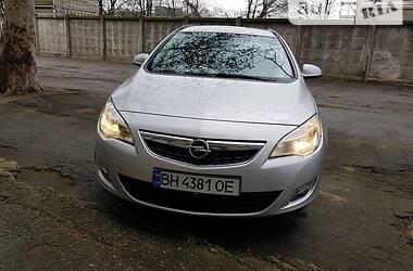 Унiверсал Opel Astra J 2011 в Одесі