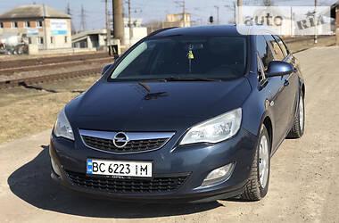 Opel Astra J 2012 в Мостиській