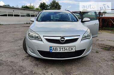 Универсал Opel Astra J 2011 в Виннице
