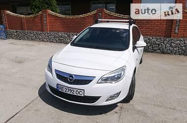 Универсал Opel Astra J 2011 в Никополе