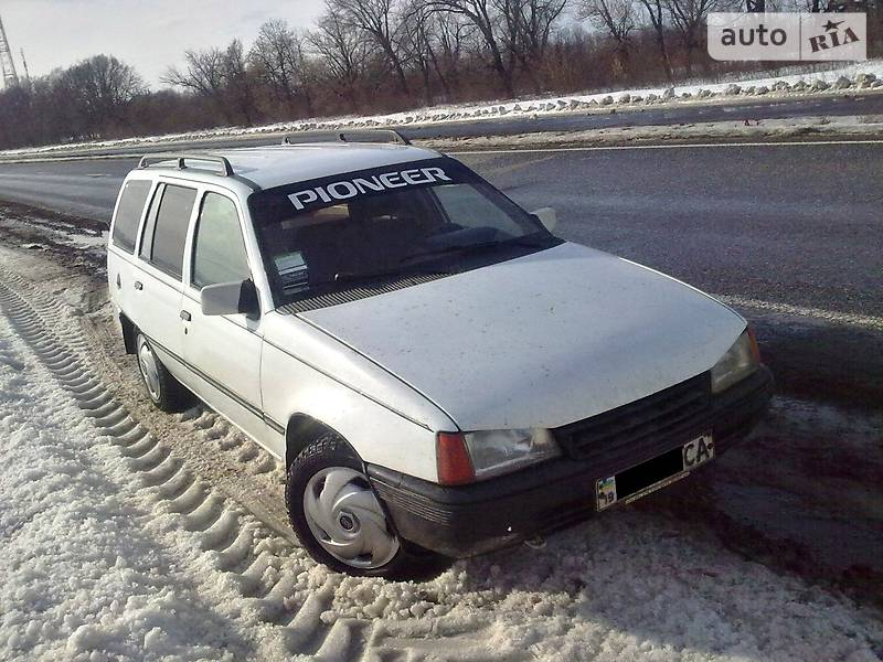 Opel Kadett 1987 в Сумах