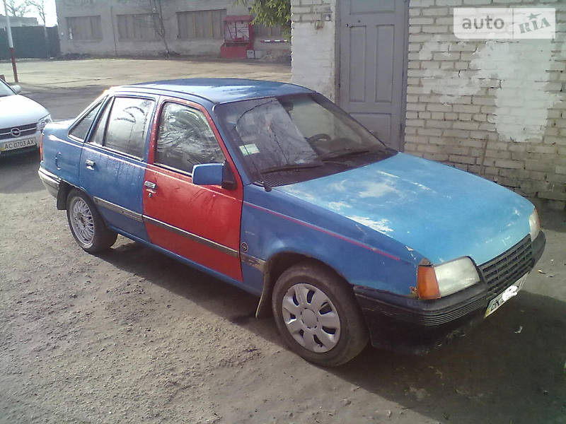 Opel Kadett 1986 в Луцке