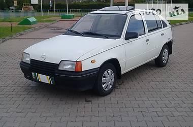 Opel Kadett 1987 в Косове