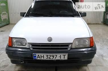 Opel Kadett 1991 в Донецке