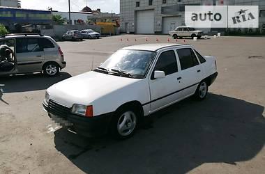 Opel Kadett 1988 в Харькове