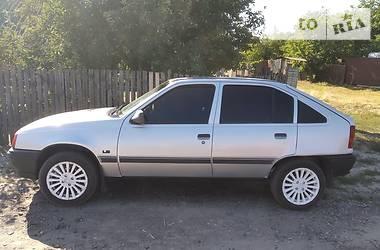 Opel Kadett 1990 в Новых Санжарах