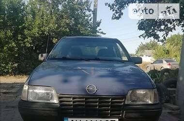 Opel Kadett 1986 в Славянске