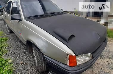 Седан Opel Kadett 1991 в Львове