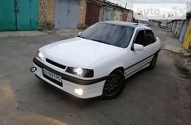 Седан Opel Vectra A 1990 в Киеве