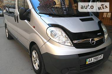 Opel Vivaro пасс. 2008 в Киеве