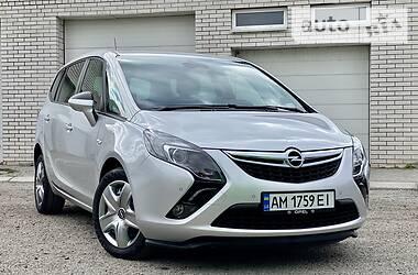 Opel Zafira 2015 в Киеве