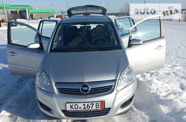 Opel Zafira 2009 в