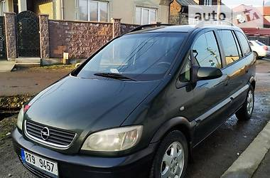 Opel Zafira 2002 в Тячеве