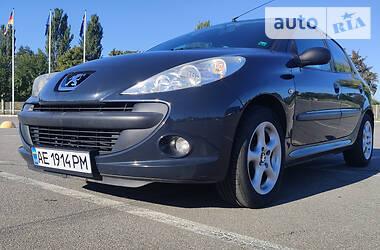 Хэтчбек Peugeot 206 2011 в Днепре