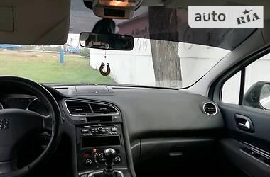 Peugeot 5008 2012 в Геническе