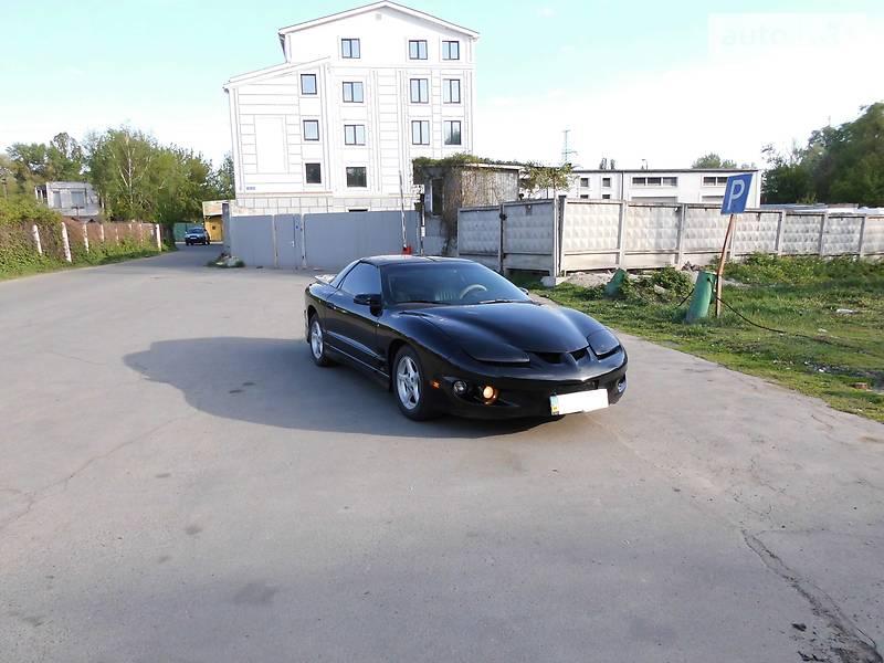 Pontiac Firebird 2002 року