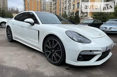Лифтбек Porsche Panamera 2018 в Одессе