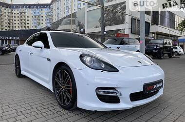 Хэтчбек Porsche Panamera 2012 в Одессе
