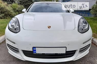 Седан Porsche Panamera 2014 в Днепре