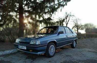 Хэтчбек Renault 11 1988 в Чернигове