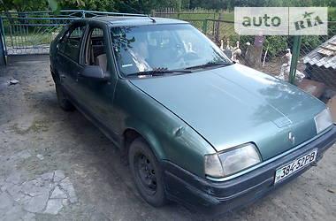 Renault 19 Chamade 1987 в Вараше