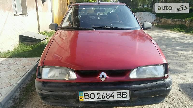 Renault 19 1993 року