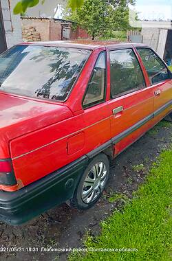 Седан Renault 21 1991 в Глобине