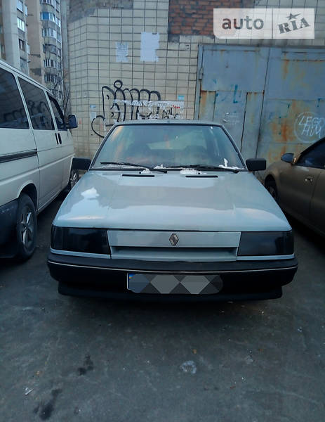 Renault 9 1987 года