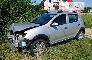 Внедорожник / Кроссовер Renault Sandero 2014 в Харькове
