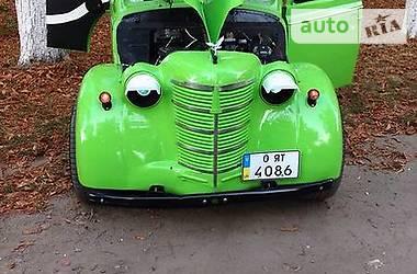 Ретро автомобили Хот-род 1955 в Львове