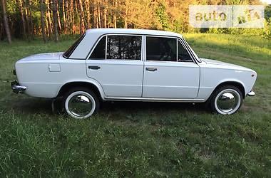 Ретро автомобили Классические 1977