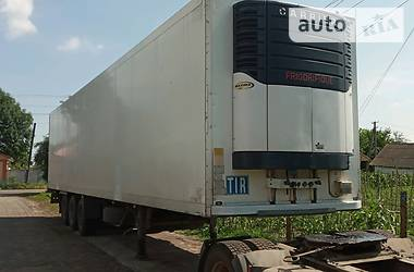 Рефрижератор полуприцеп Schmitz Cargobull SKO 2005 в Нежине