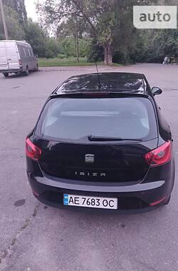 Хетчбек SEAT Ibiza 2012 в Дніпрі