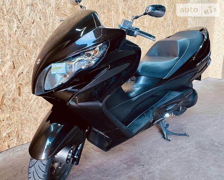 Suzuki Skywave 250 SS